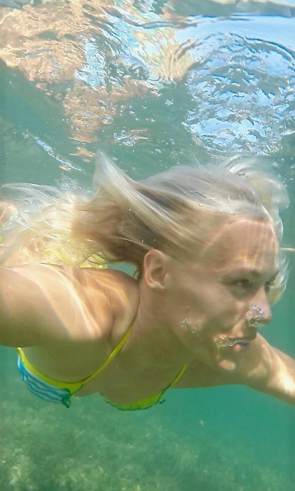 surffityttö mermaid